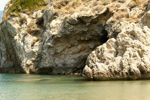 Afionas – Der steinige Weg zum Strand